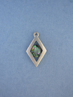 Small Sing. Ring Diamond Pendant - Lead Free Pewter