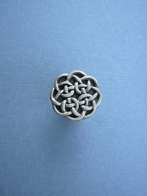 Round Celtic Drawer Lead Free Pewter