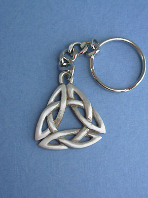 Triquetra Knot Keychain - Lead Free Pewter