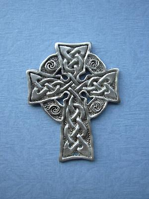 Meditation Cross Brooch - Lead Free Pewter