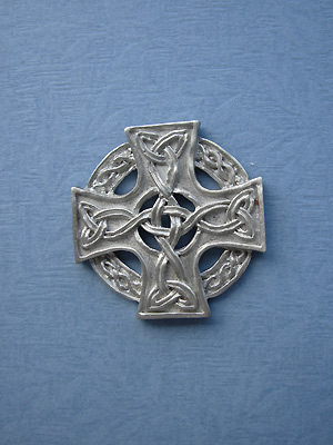 Celtic Knotwork Cross Brooch - Lead Free Pewter