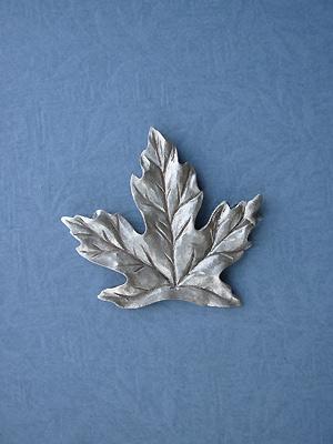 Maple Leaf Brooch - Lead Free Pewter