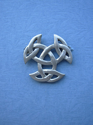 Breton Celtic Knot (med) Brooch - Lead Free Pewter