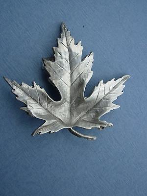 Soft Maple Leaf Brooch - Lead Free Pewter