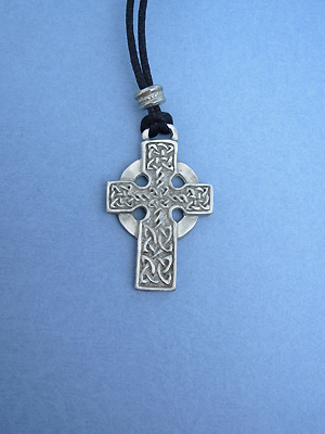 Highland Cross Lead Free Pewter Medium Pendant c/w Cord