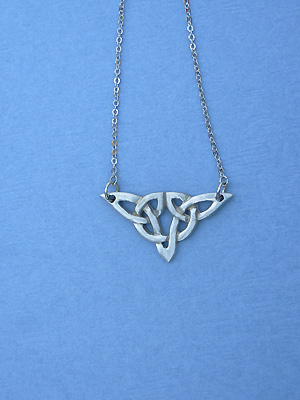 "Ulbster Knot Lead Free Pewter Small Pendant c/w 16"" Split Chain"