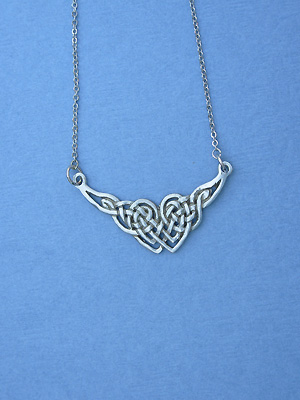 """New Endless Interlace Lead Free Pewter Small Pendant c/w 16 Split Chain"""""""