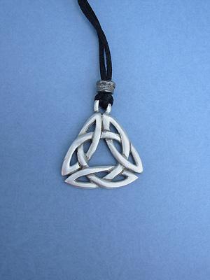 Triquetra Knot Lead Free Pewter Medium Pendant c/w Cord