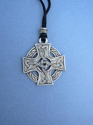 Celtic Knotwork Cross Lead Free Pewter Large Pendant c/w Cord